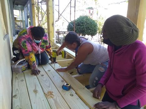 BWBB-participants-install-decking
